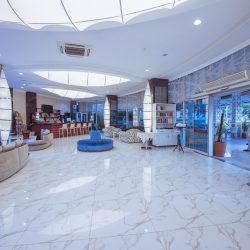Reception& Lobby (9)